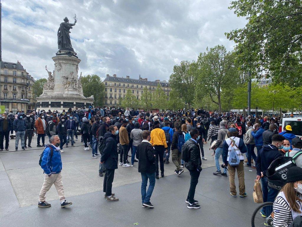 Une action place de la République, à Paris, organisée par le collectif Réquisitions, le 12 mai, a permis la mise à l'abri de 708 personnes. Crédit : InfoMigrants