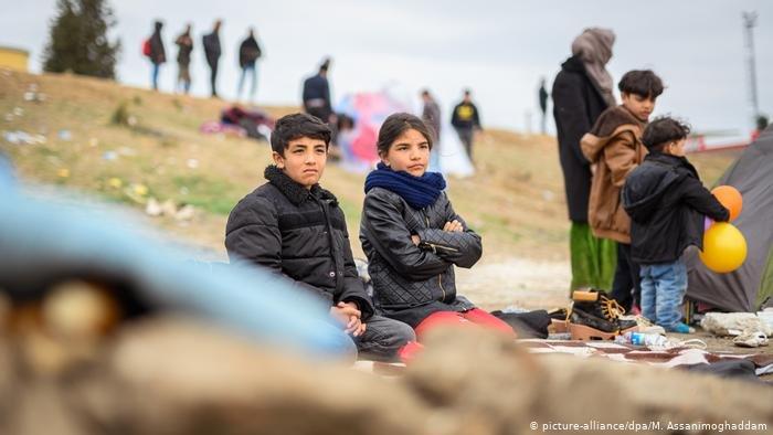 picture-alliance/dpa/M. Assanimoghaddam |أطفال لاجئون سوريون في أدرنة- تركيا
