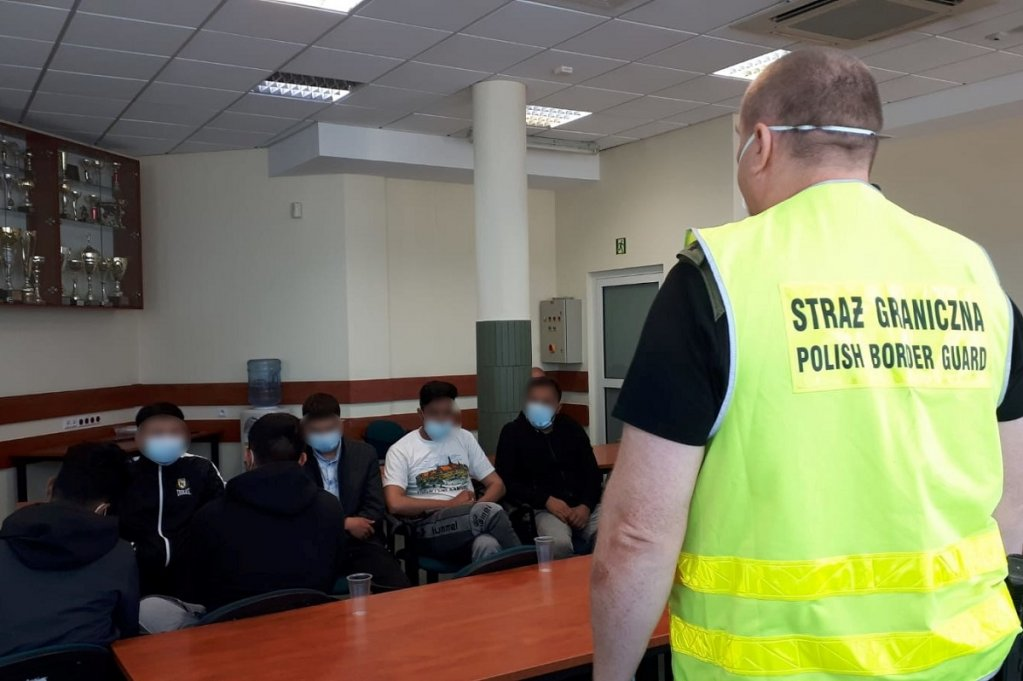 پولنډ کې نیول شوي مهاجر. انځور: strazgraniczna.pl