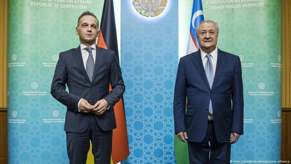 هایکو ماس وزیر خارجه آلمان و عبدالعزیز کمیل اف، وزیر خارجه ازبکستان (آگست ۲۰۲۱)