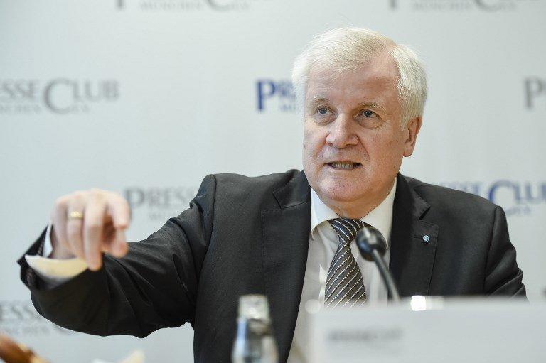 Andreas Gebert / dpa / AFP |Le président de la CSU et futur ministre de l'Intérieur Horst Seehofer annonce une «tolérance zéro contre les délinquants» demandeurs d'asile.