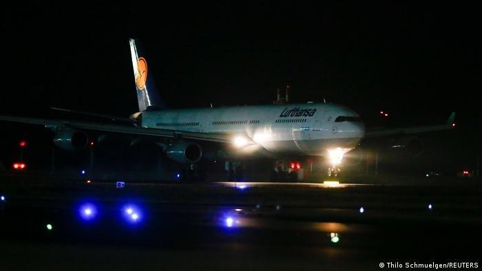هبطت في فرانكفورت طائرة تابعة لشركة لوفتهانزا تقل نحو 130 شخصا تم إجلاؤهم من كابول