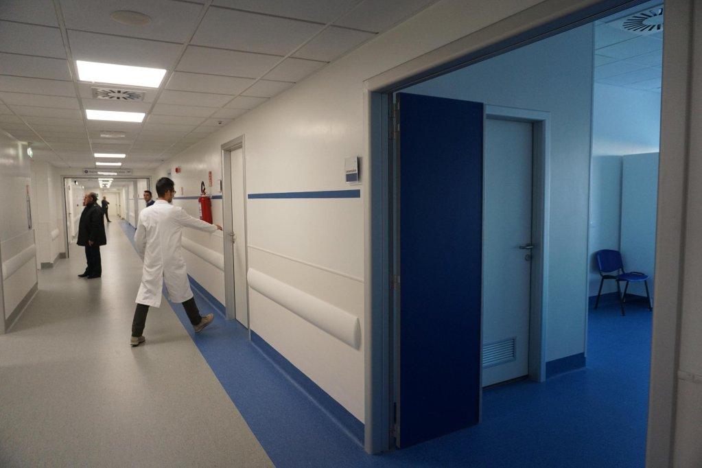 ansa / مستشفى ديل ماري في شرق نابولي