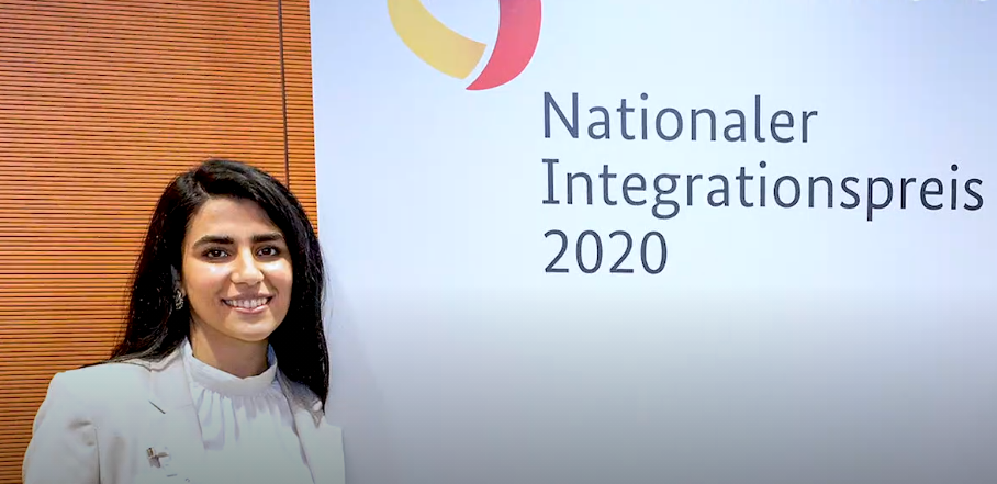 Screenshot of video by federal government about national integration prize from October 6, 2020 | Source: Bundesregierung (German Federal Government)