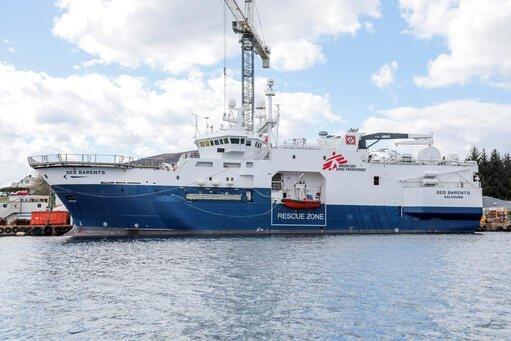 """سفينة """"جيو بارنتس""""، سفينة إنقاذ جديدة تابعة لمنظمة أطباء بلا حدود. المصدر: تويتر @MSF_Sea"""