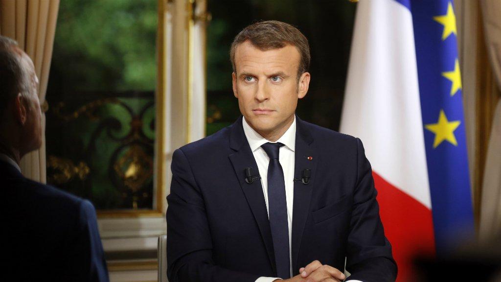 أ ف ب |الرئيس الفرنسي إيمانويل ماكرون في لقاء تليفزيوني 15 تشرين الأول/أكتوبر 2017.