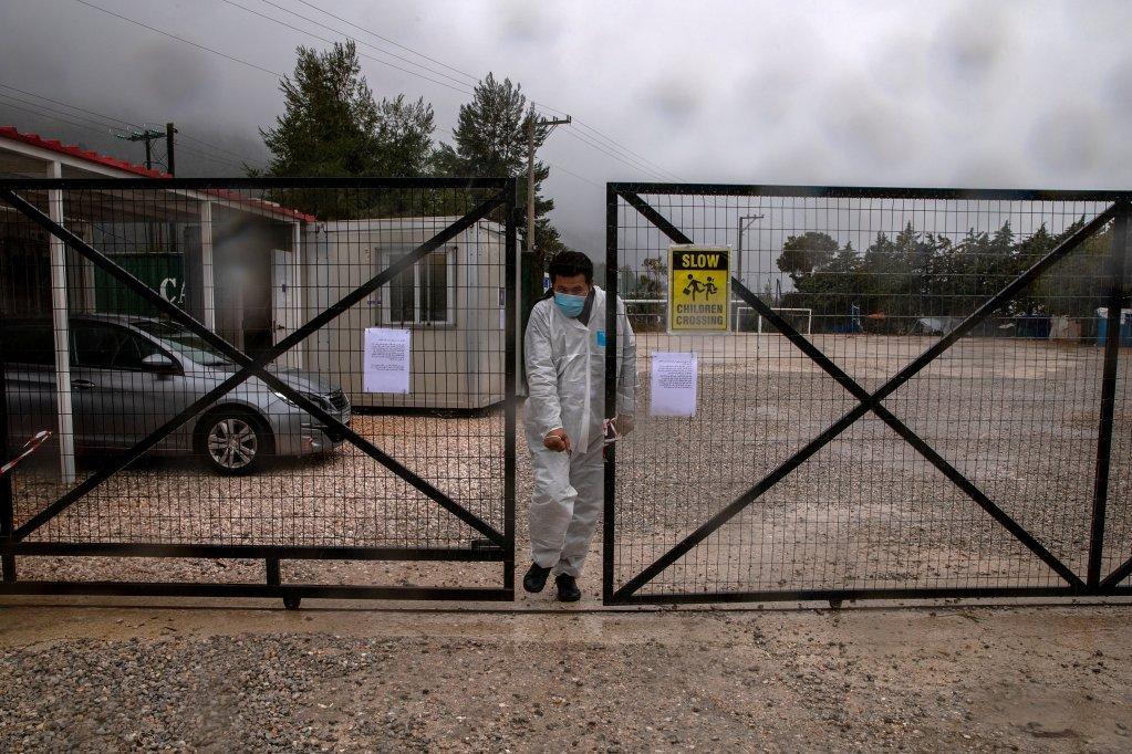 یکی کمپ مهاجران در مالاکاسا که به دلیل شیوع ویروس کرونا قرنطین شده است. عکس از مهاجر نیوز