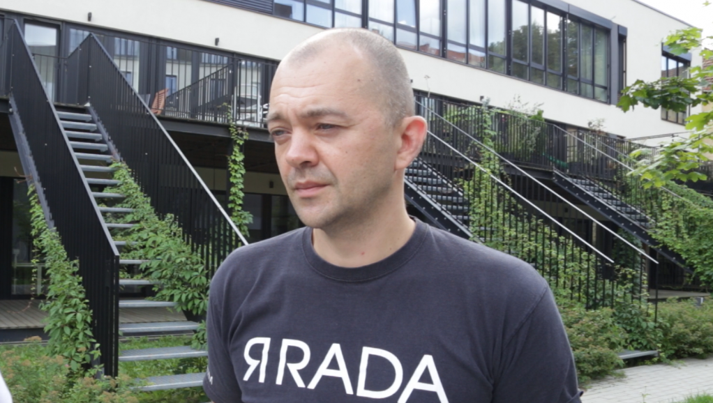 Vytis Jurkonis, Project Director of Freedom House's Vilnius Office, says Lithuania does not have sufficient infrastructure to deal with the migrants Belarus is sending across the border | Screenshot from InfoMigrants video