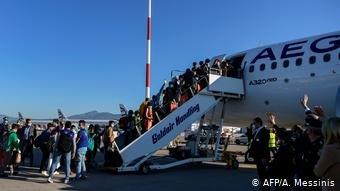 انتقال کودکان پناهجو و بدون همراه از جزایر یونان به دیگر کشورهای عضو اتحادیه اروپا (عکس آرشیف)