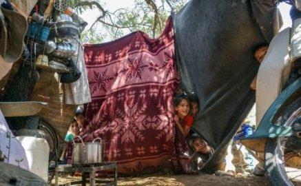 سوريا: نازحون يفضلون العودة إلى منازلهم المدمرة