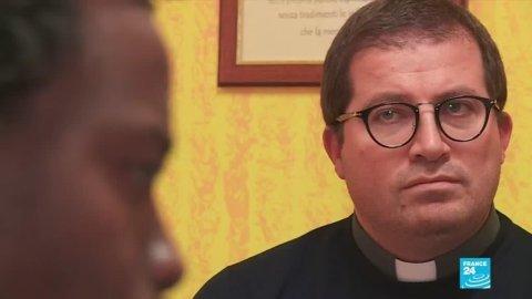 Des paroisses italiennes aident les ouvriers étrangers. Capture d'écran France 24