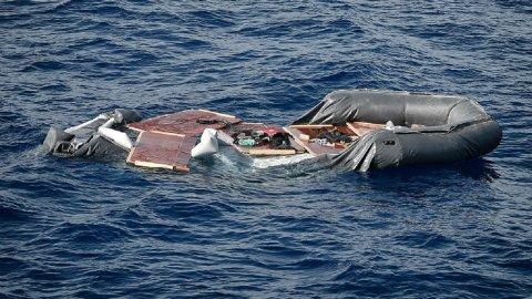 معاذ الشيخ عن غرق قارب مهاجرين في ليبيا