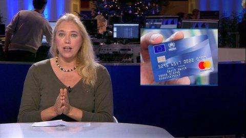 Des sites prorusses prétendent qu'une carte bleue est distribuée aux sans-papiers.