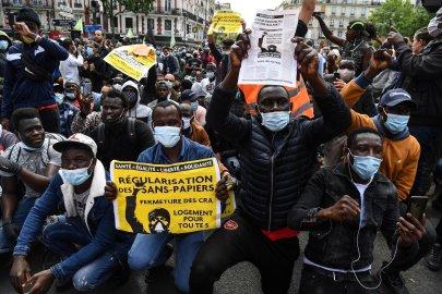 فرنسا: الآلاف في مظاهرة بباريس للمطالبة بتسوية أوضاع المهاجرين غير النظاميين