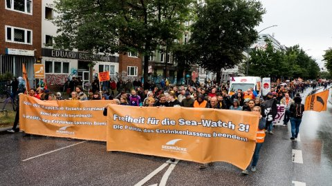 FR NW PKG ALLEMAGNE MANIF CAPITAINE SEAWATCH 00H