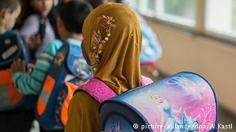 مطالبات بتدريس مادة القيم الألمانية للأطفال اللاجئين