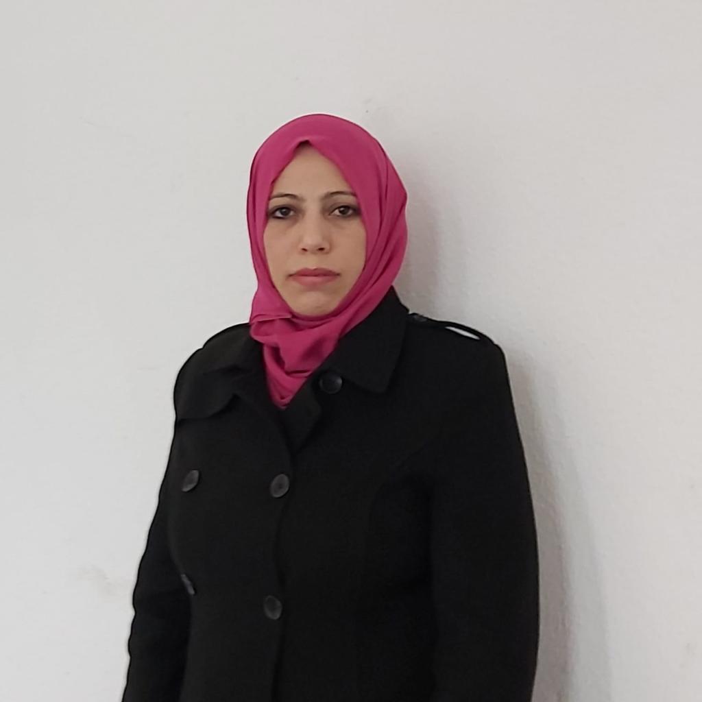 فقدت ياسمين مشعان، 39 عاما، 5 أشقاء من بين 6 في الأحداث الدائرة في سوريا، وتعيش الآن في ألمانيا مع أطفالها وزوجها.