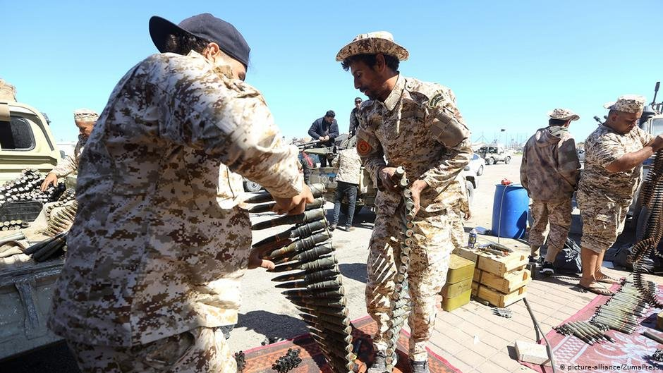 Libyan government forces prepare for an operation against Khalifa Haftars troops in Tripoli 8 April 2019  picture-allianceZumaPress