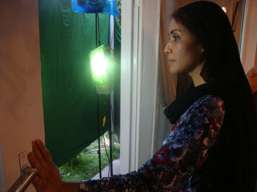 """لینا علم در فلم """" احوال دریا"""" از ساخته ای همایون کریم پور.  عکس از صفحه فیسبوک لینا علم"""