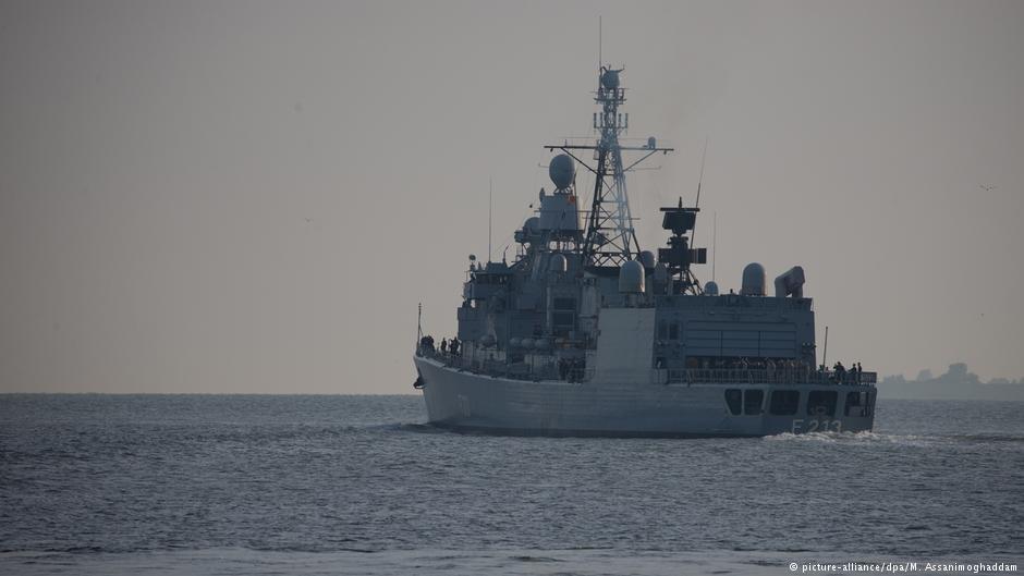 The frigate Augsburg   Photo: Picture-alliance/dpa/M.Assanimoghaddam