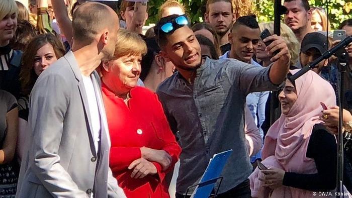 تسعى ميركل لعقد اتفاقيات ثنائية مع إيطاليا واليونان لإعادة اللاجئين
