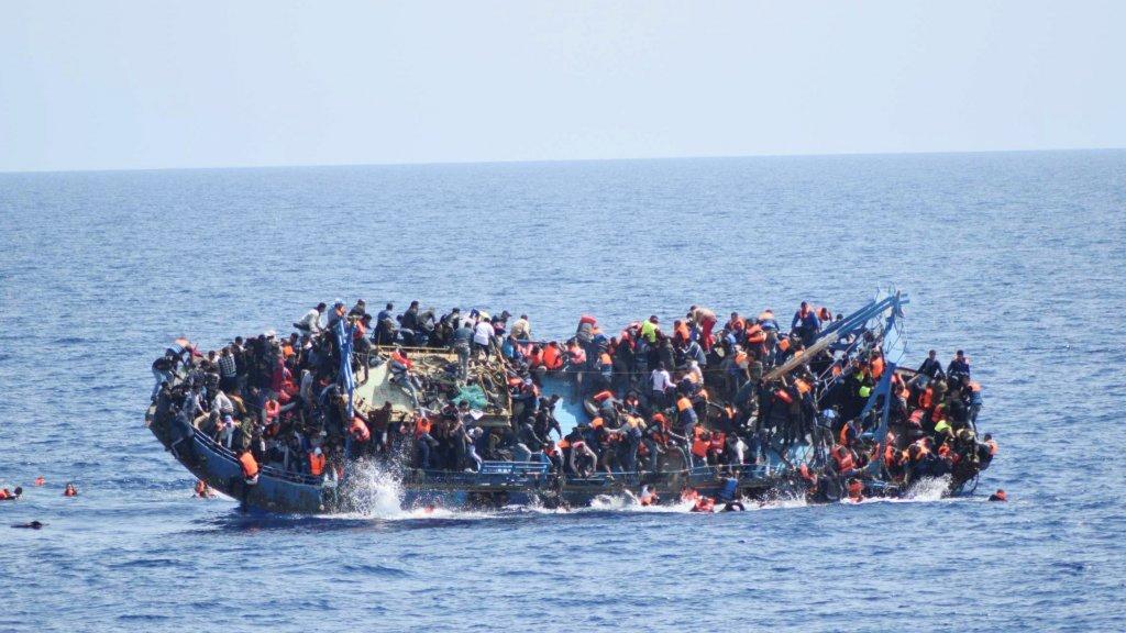 La traversée de la Méditerranée est une route populaire pour les réfugiés qui viennent d'Afrique pour aller en Europe