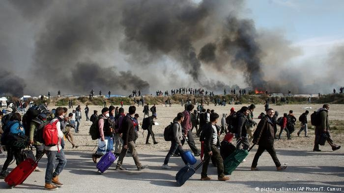 From file: Fires were set during the evacuation of Calais camp in October 2016