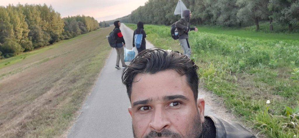 على طريق المحمية المؤدية للحدود بين صربيا والمجر