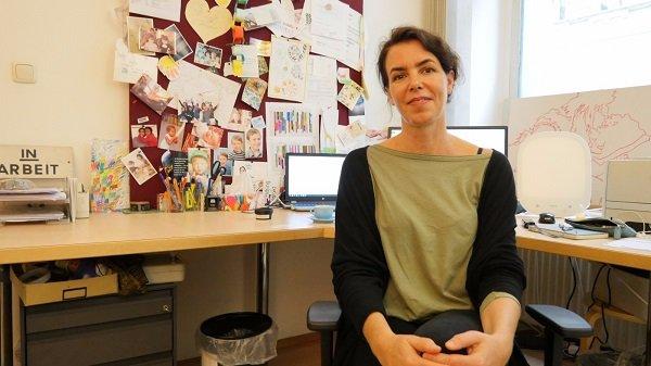Cecilia Heiss est la manager du centre Hemayat. Crédit : InfoMigrants