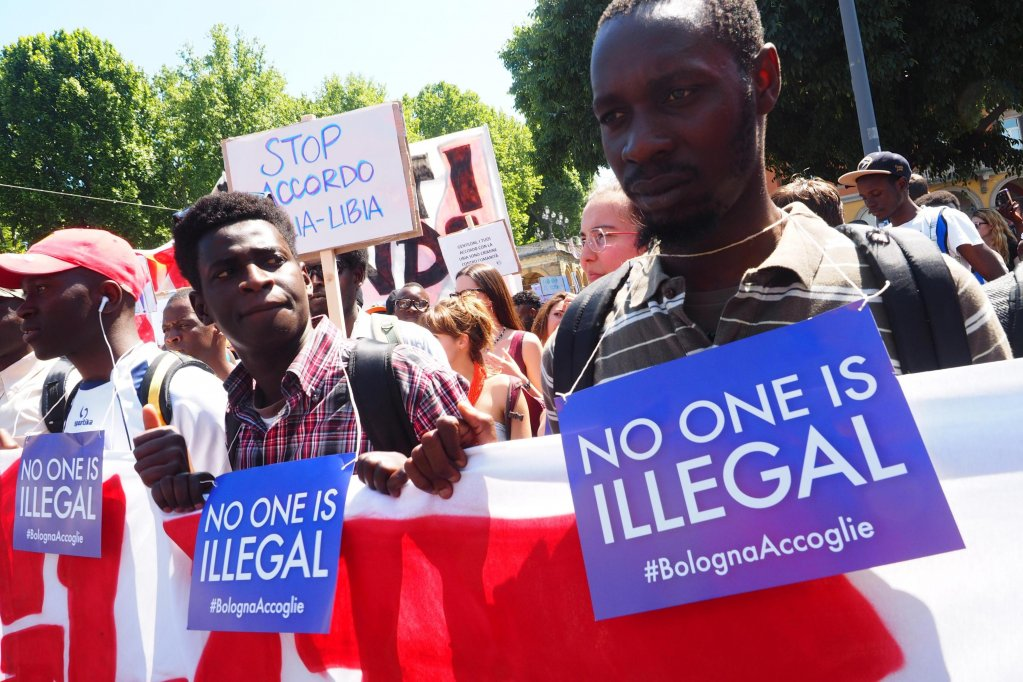 """Group of African migrant protesting against the """"illegitimate practices"""" with regards to stay permits for refugees in Bologna. PHOTO/ARCHIVE/ANSA"""