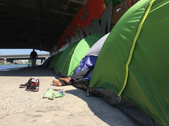 Les tentes du campement du Millénaire, dans le nord de Paris. crédit : InfoMigrants