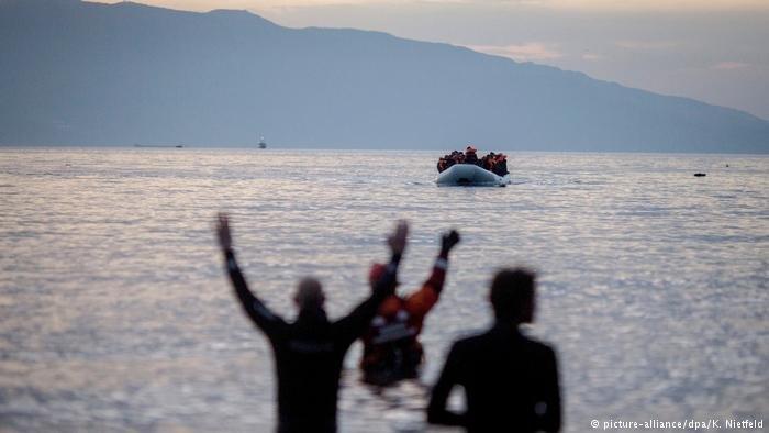 Des réfugiés arrivant sur l'île de Lesbos