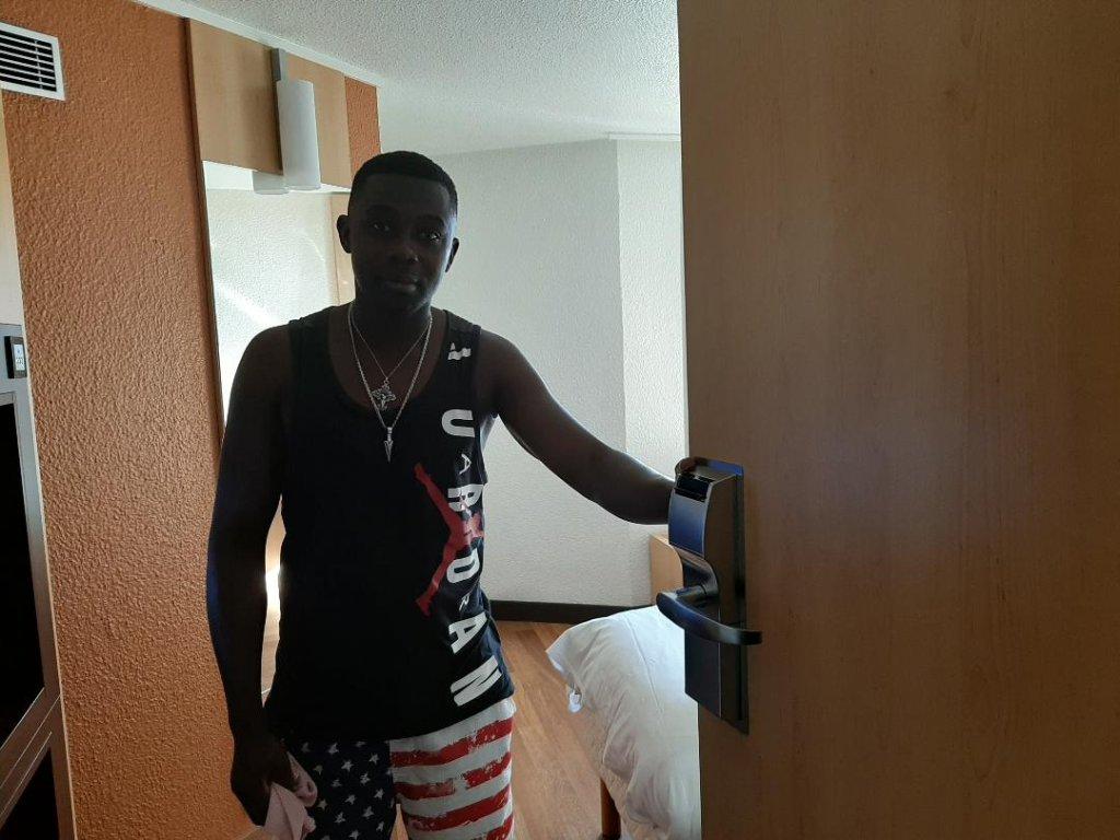 Obiri Emmanuel Ghanen de 30 ans espre un titre de sjour mais ne se fait pas dillusion Il dit tre fatigu Crdit  InfoMigrants
