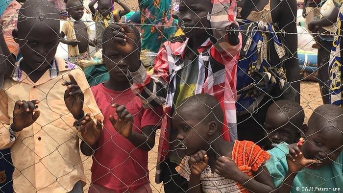 Flüchtlingskinder aus dem Südsudan in der Turkana im Norden Kenias (DW/S.Petersmann)