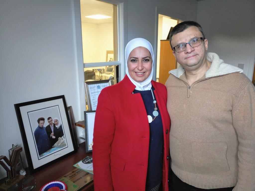 Razan et Raghid Alsous sont fiers de ce qu'ils ont accompli au Royaume-Uni | Crédit : Sertan Sanderson
