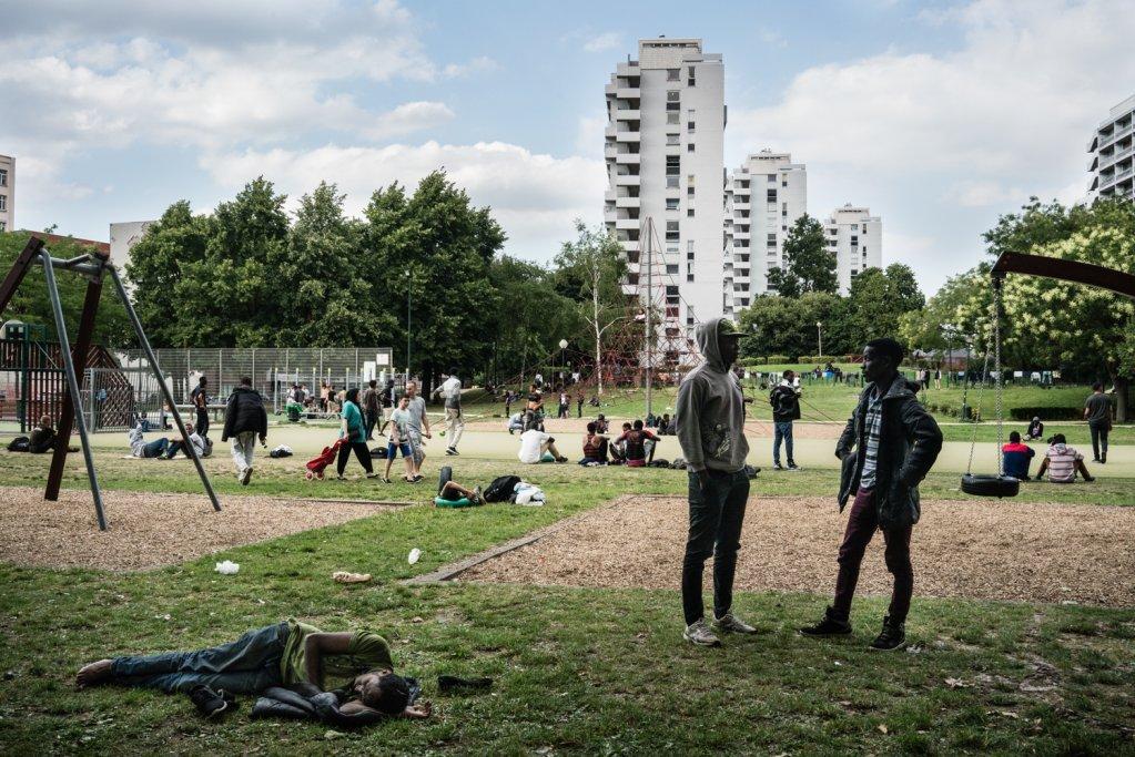 Des migrants dans le parc Maximilien, à Bruxelles, en 2016. Crédit : Médecins du Monde / Kristof Vadino