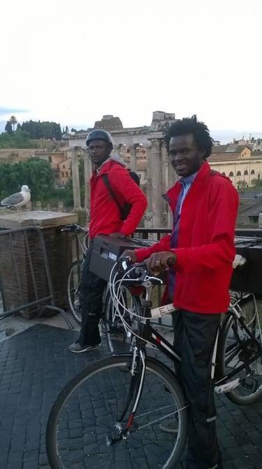 Le vélo, un mode de livraison écologique, rapide et peu coûteux. Photo publiée sur la page Facebook Barikamà.