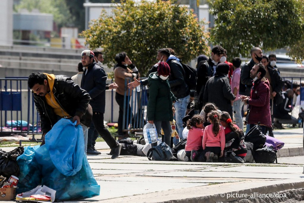 Refugees at the bus terminal in Izmir Turkey on April 14 2020  Photo Picture-alliance