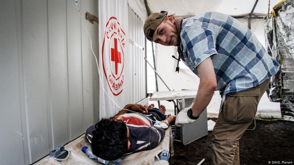 In Bosnia and Herzegovina, the Red Cross provides medical assistance in refugee camps | Photo: DW/D. Planert