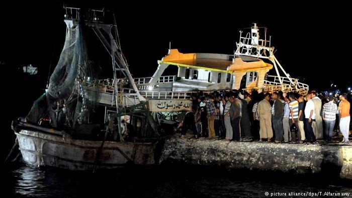 Ägypten Rosetta Schiff Wrack Flüchtlinge (picture alliance/dpa/T.Alfaramawy)