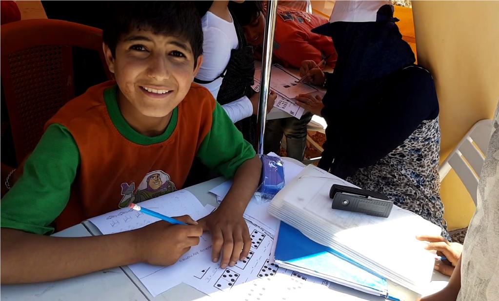 تبادر منظمات أهلية إلى إقامة أنشطة تربوية للأطفال السوريين المقيمين في التجمعات البعيدة عن المدن
