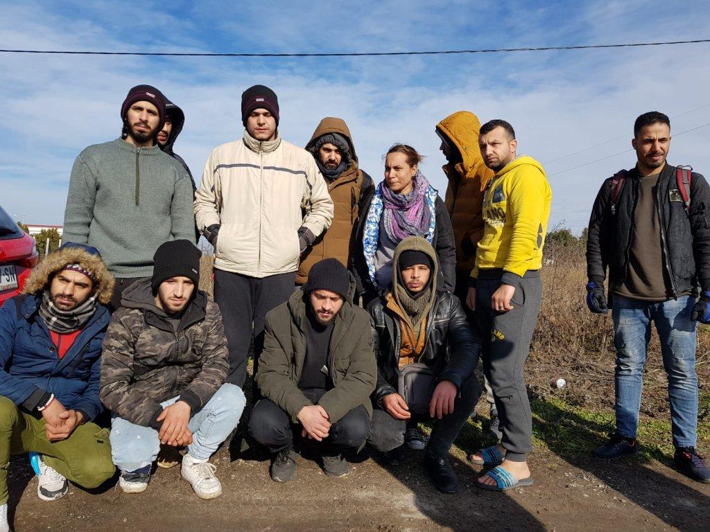 Une majorité d'hommes syriens étaient présents dans la caravane de migrants qui s'est formée près d'un poste-frontière du nord de la Serbie, jeudi 6 février. Photo : InfoMigrants