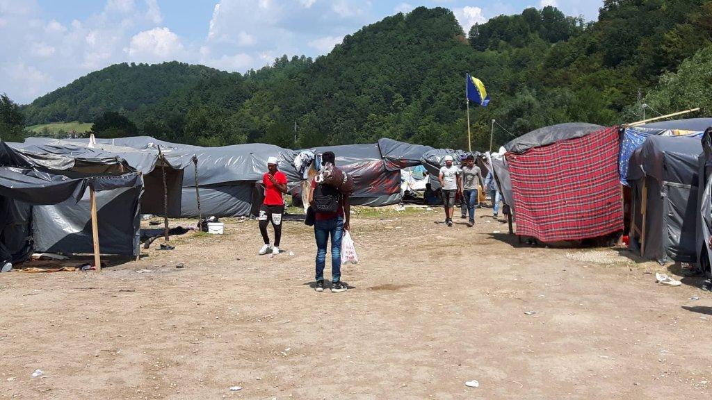 Migrants enduring tough conditions during hot temperatures  Photo Naser Ahmadi