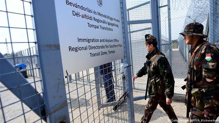 جنود مجريون عن حدود بلادهم
