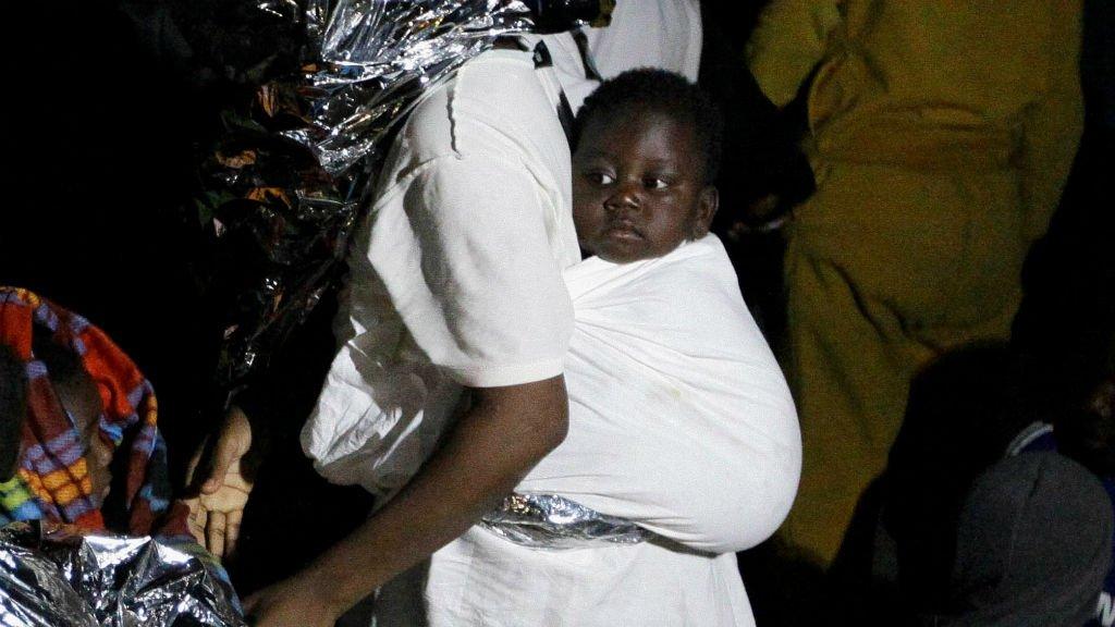 Une femme migrante et son bébé en Libye (image d'archive). Crédit : Reuters