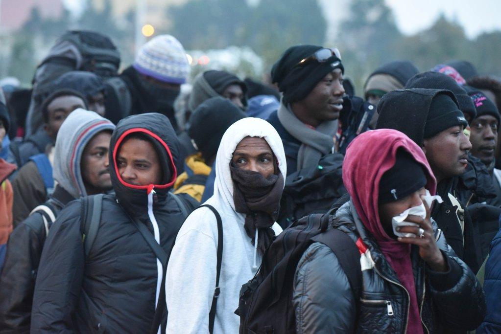 """Image d'illustration lors du démantèlement de la """"jungle"""" de Calais, en octobre 2016. Crédit : Mehdi Chebil"""