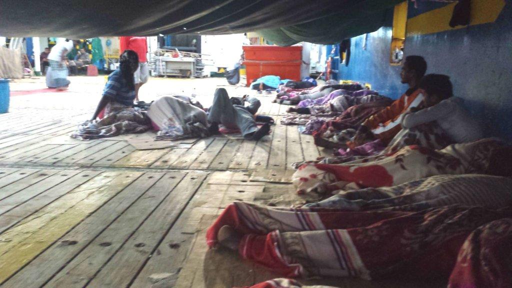 Depuis le 16 juillet, 40 migrants sont bloqués au large de la Tunisie. Crédit : InfoMigrants