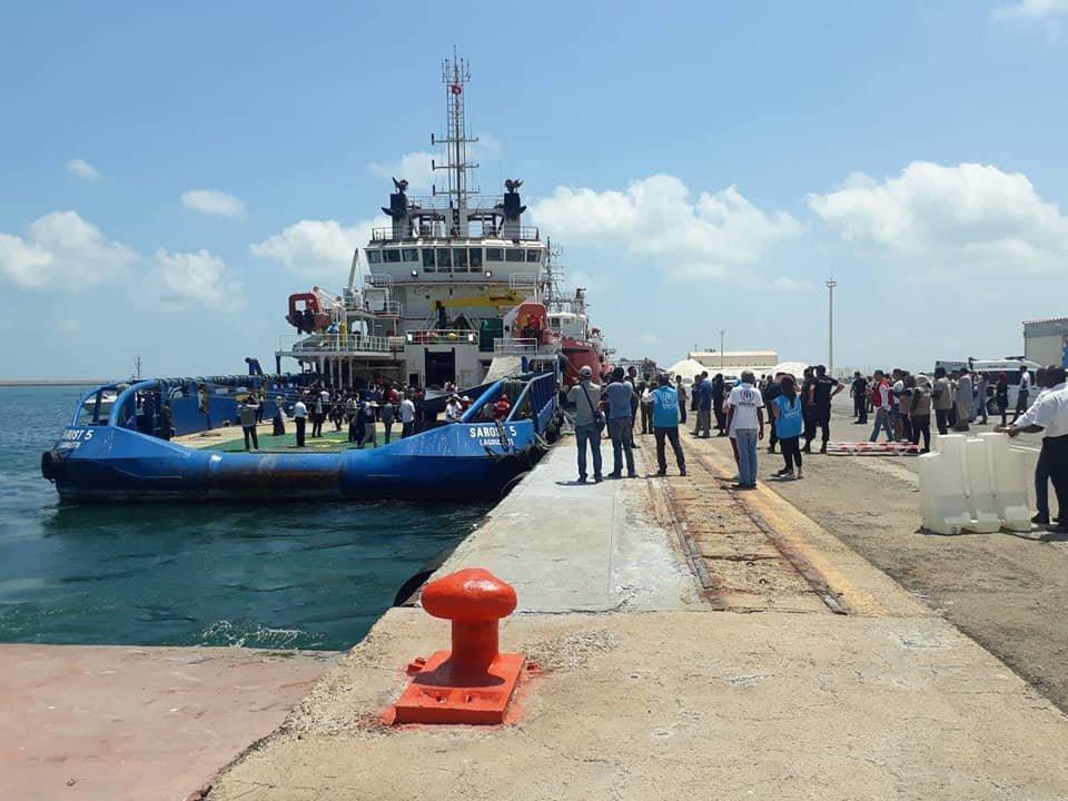 سفينة ساروست 5 عقب رسوها بميناء جرجيس. أرشيف