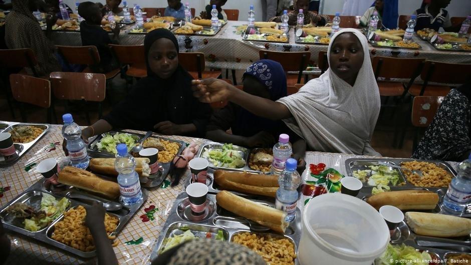 Le gouvernement algérien dément la violence et assure que les migrants sont accueillis à Tamanrasset comme sur cette photo. | Photo : picture-alliance/dpa/F. Batiche