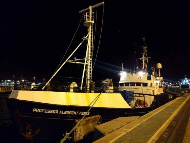sea-eye.org  Le «Professor Albrecht Penck» part ce jeudi 20 décembre 2018 au large de la Libye sous pavillon allemand, pour porter assistance aux migrants en mer Médtierranée.